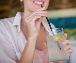Agua de coco ¿cuáles son los beneficios para la salud